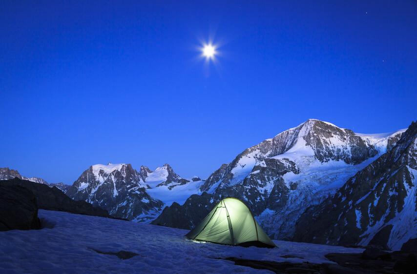 Camping im Mondschein